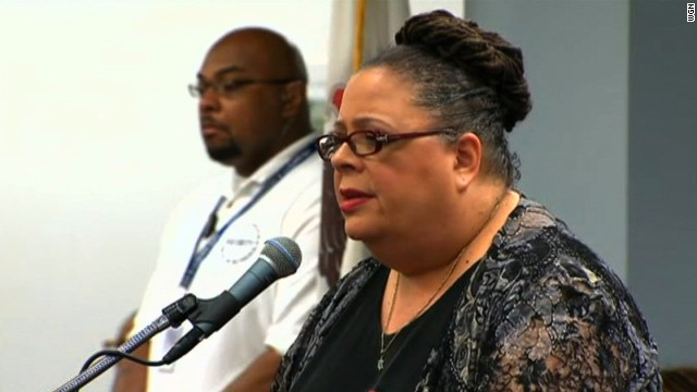 The Chicago Teachers Union, headed by Karen Lewis, opposes the closures.