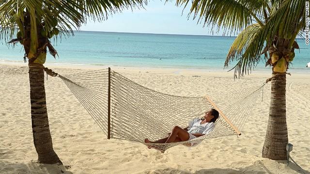 6. Cabbage Beach, Paradise Island, Bahamas