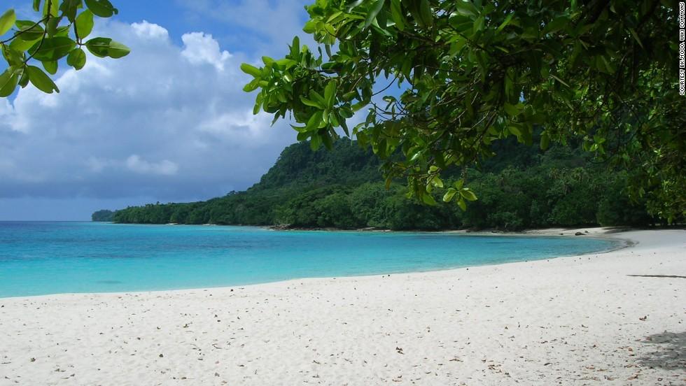 9. Champagne Beach, Vanuatu