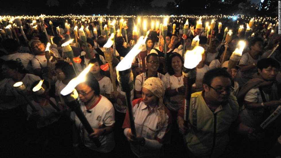 More than 6000 people from over 30 countries from five different continents took part in the Freedom Faithnet Global's (FFG) Annual Freedom Celebration to attempt to break the largest torchlit image and parade on December 11, 2011 at Istora Senayan stadium in Jakarta, Indonesia.