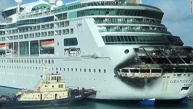 Cruise passengers give kudos to crew