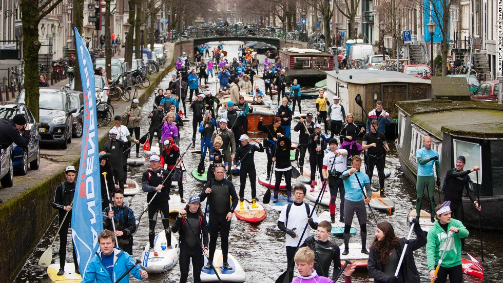 With more than 100 kilometers of canals, plus the major Amstel River, which cuts across the city, Amsterdam is a fabulous standup paddling destination. No waves, no wind.