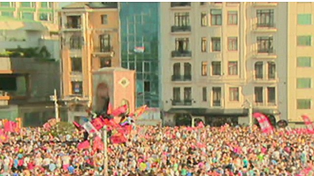 See massive crowd gather in Istanbul