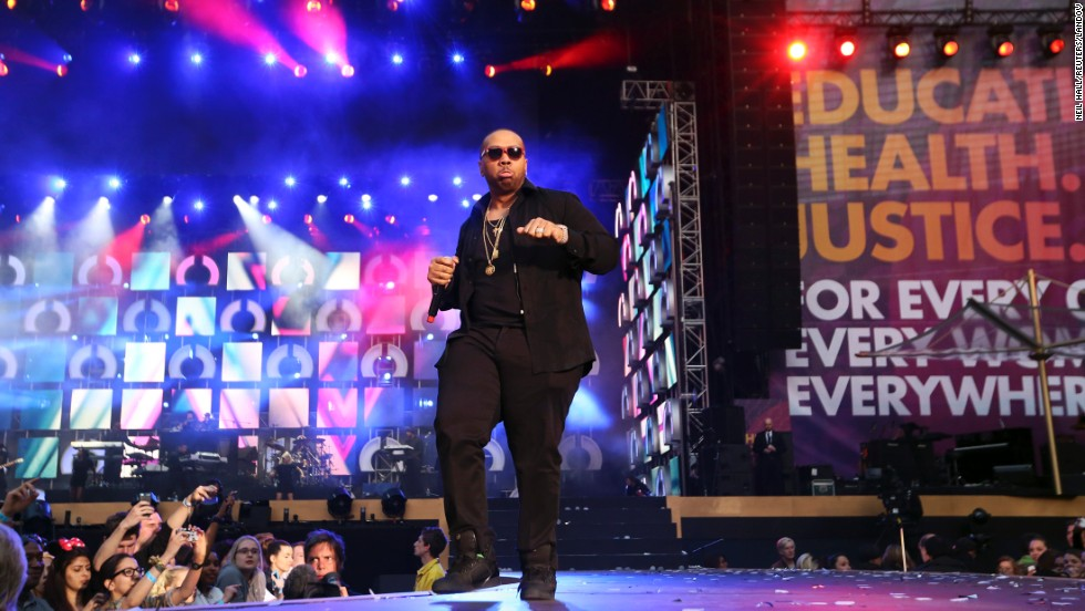 """Rapper Timbaland performs. Simon Le Bon of Duran Duran joined Timberland on stage to perform a version of """"The Reflex."""""""