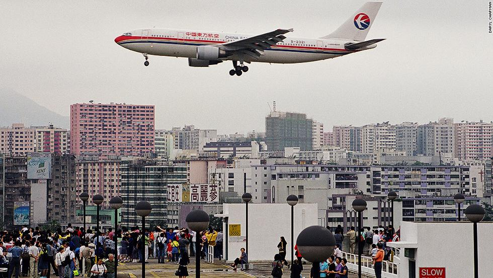 Plane spotters gathered on the roof of the car park at Kai Tak, recalls photographer Daryl Chapman. It was one of the best locations to see arriving and departing aircraft.