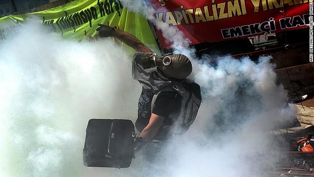 how to make a tear gas mask