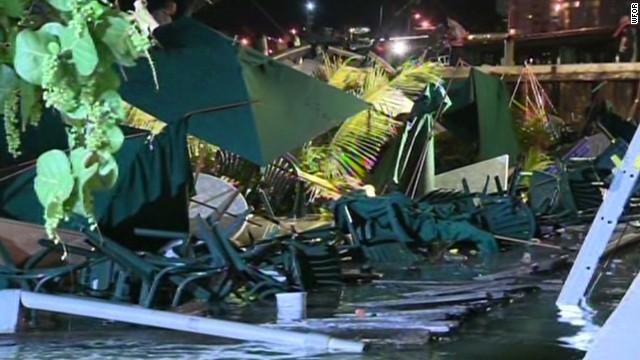 Florida restaurant deck collapses