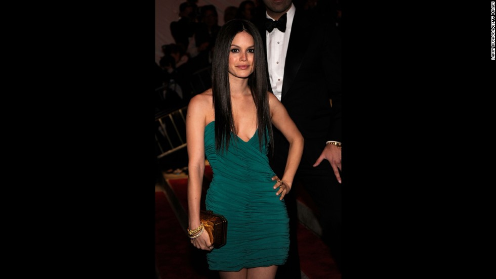 In May 2009, the Bling Ring made five trips to Rachel Bilson's home. Bilson testified that her alarm was turned off and that the thieves made off with higher-end shoes, purses, clothing and a whole cabinet of DVDs. The actress also revealed that some irreplaceable things were stolen, such as her grandmother's jewelry and her mom's engagement ring.