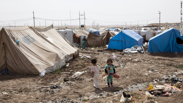 Since the start of 2013, UNHCR has registered close to 1 million Syrian refugees, amounting to around 250,000 people each month.