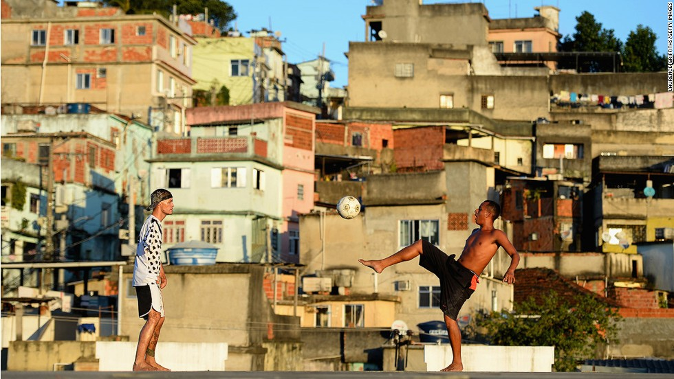 In world rankings for the gap between rich and poor, Brazil has the 11th biggest gulf, coming in after a group of impoverished African countries. Even though living standards have risen over the last decade and a number of Brazilians have entered the middle class, there's still a huge chunk of the population eking out a day-to-day existence