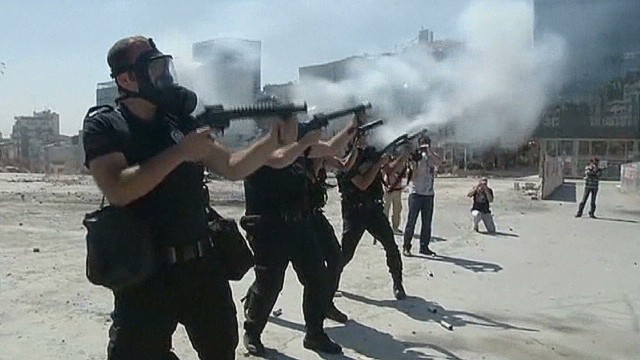 Anger at Turkish government over clashes