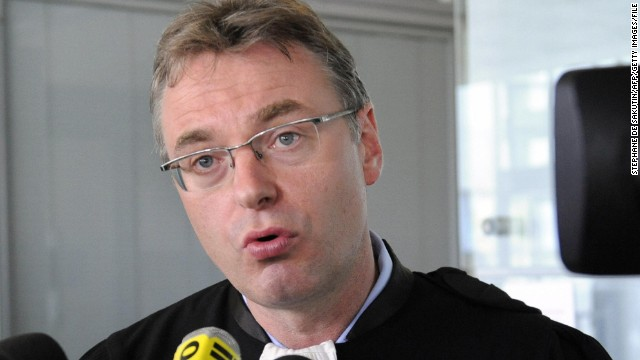 Belgian lawyer Jean-Louis Dupont has teamed up with a football agent to contest UEFA's financial fairplay rules.