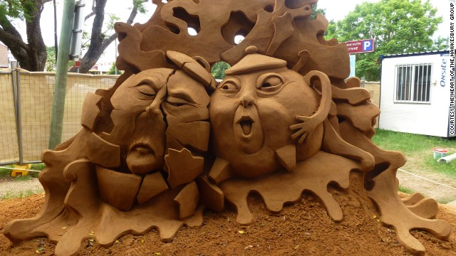 "Jino Van Bruisessen's sand sculpture -- titled ""Two Pots"" -- won 1st place at Australia's Hawkesbury event this past January."