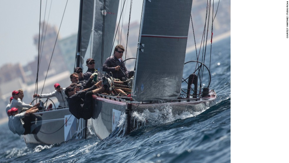 All boats are identical in terms of construction, shape of the hull and appendages, weight distribution, deck layout and equipment.<br />Each team is also limited to the number of sails they can use at every event, which means that a boat's performance is purely down to teamwork.<br />