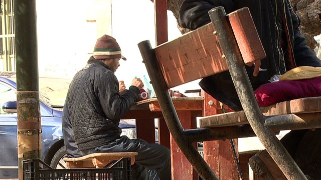 intl greek unemployed youth dos santos pkg_00004226.jpg