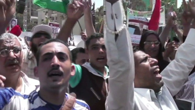 Morsy supporters upstage protesters