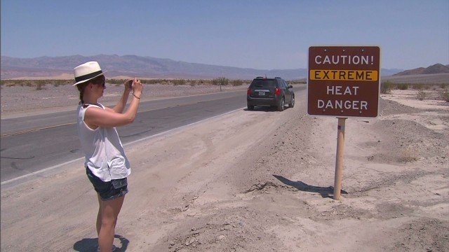 2013: Heat beats down in Death Valley
