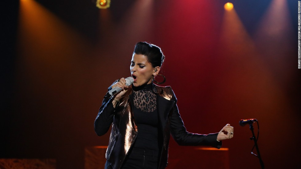 "<a href=""http://abcnews.go.com/Blotter/nelly-furtado-donate-gadhafis-million-payday-word-beyonce/story?id=13027581#.UdHJatj4JgE"" target=""_blank"">Nelly Furtado tweeted that she would donate </a>the $1 million she received for performing for the Gadhafi family in 2007."