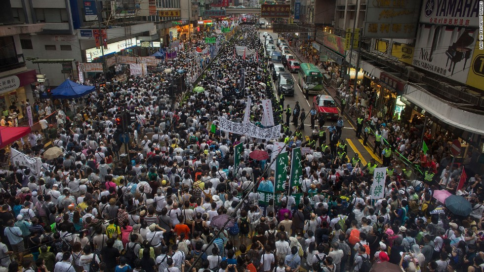 Organizers reported 400,000 participants in the protest, while police quoted a peak turnout of 66,000 people.  Last year, organizers quoted 430,000 people, while police put the figure at 63,000.