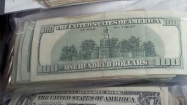 dnt mi drive thru cash mix up_00001413.jpg