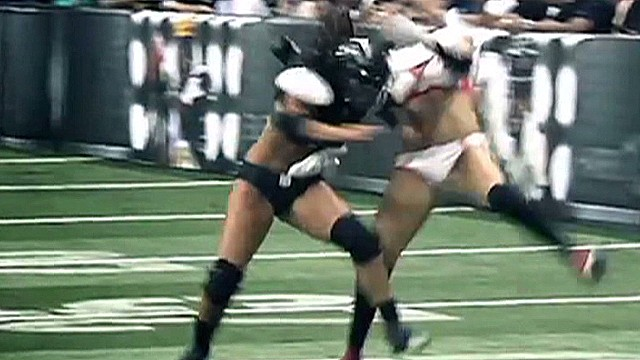 vo lingerie football league hit_00000420.jpg