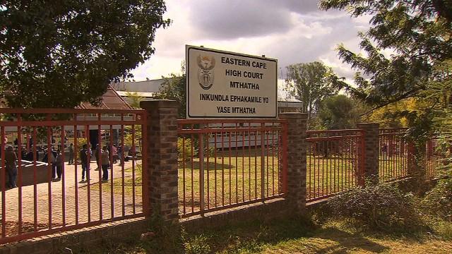 Burial dispute divides Mandela family