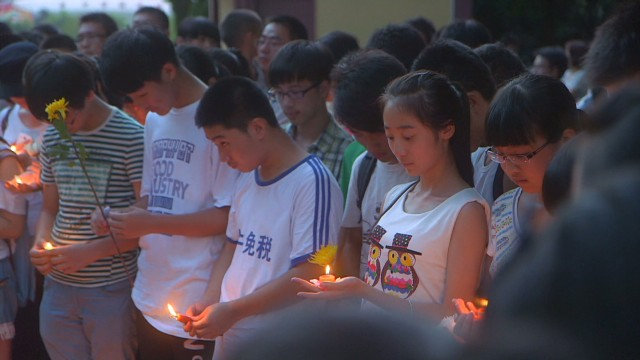 China mourns air crash victims