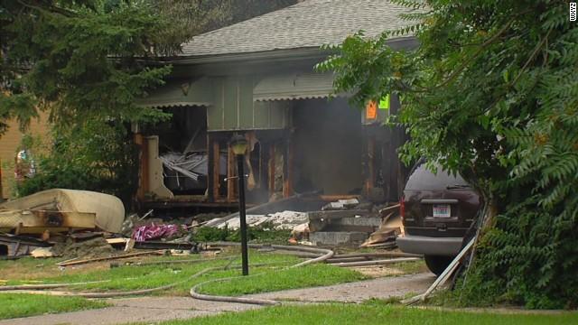 pkg house explosion caught on camera_00001716.jpg