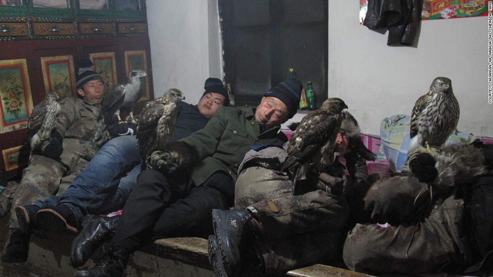 After capturing wild falcons from the forest, Jilin masters must spend several days in isolation taming them.