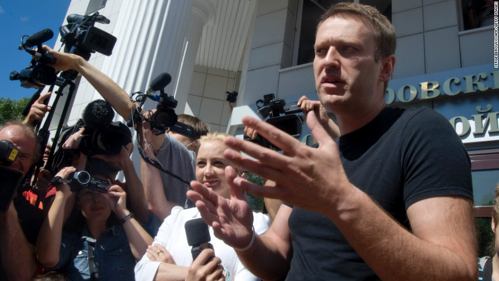 """Anti-corruption lawyer Alexey Navalny once branded Putin's United Russia party """"the party of crooks and thieves."""" He was arrested in December 2014 on accusations of fraud."""