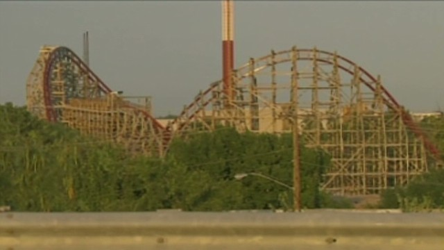 Witnesses: Woman fell off roller coaster