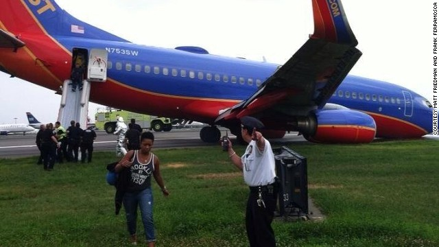 The landing gear of Southwest Airlines Flight 345 collapsed in New York on Monday, the FAA said