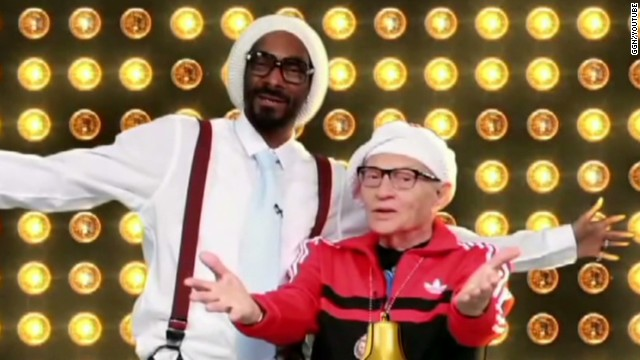 sbt larry king raps with snoop lion_00005321.jpg