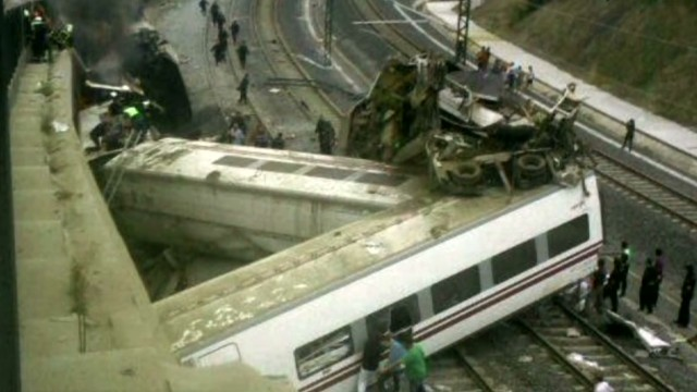 iReporter: We saw trains split in half