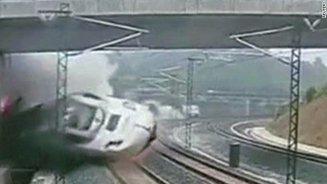 Frame-by-frame look at the train crash
