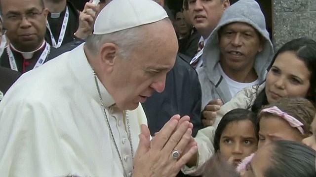 Pope arrives at Copacabana Beach