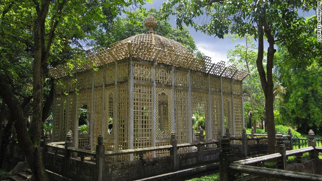 "The splendid ""birdcage"" pavilion was built by Weili Xie to entertain his second wife."
