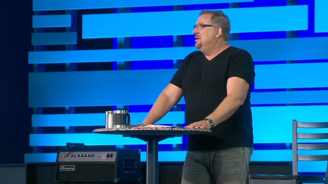 bts rick warren returns to pulpit_00011104.jpg