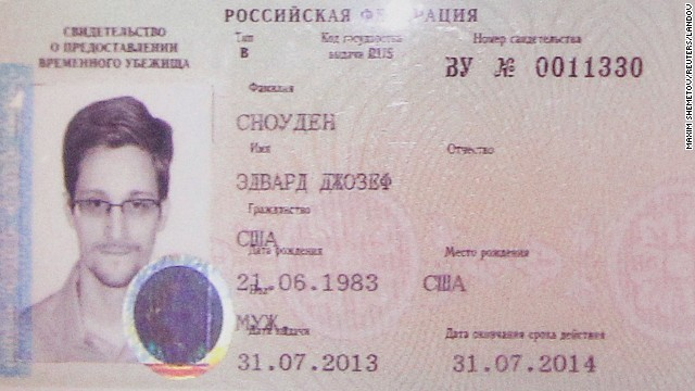 Russia gives Snowden temporary asylum