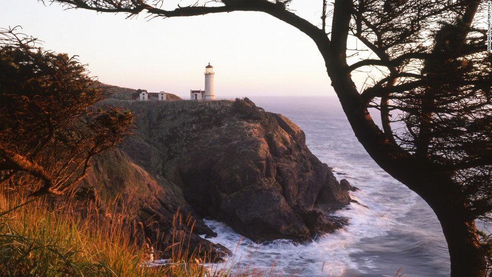 "Washington state's Long Beach Peninsula includes <a href=""http://funbeach.com/local-attractions/cape-disappointment-state-park/"" target=""_blank"">Cape Disappointment State Park</a>, featuring rugged cliffs, beaches and North Head Lighthouse (shown here)."