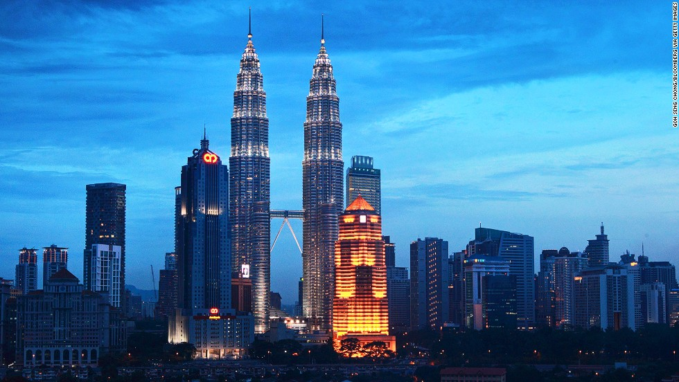<strong>Height</strong>: 452 meters.<br /><strong>Cost to build</strong>: $1.6 billion.<strong><br />Completion date</strong>: June 1996.<br /><strong>Fast fact</strong>: National poet laureate A. Samad Said was commissioned to write a poem for Malaysia's tallest towers.