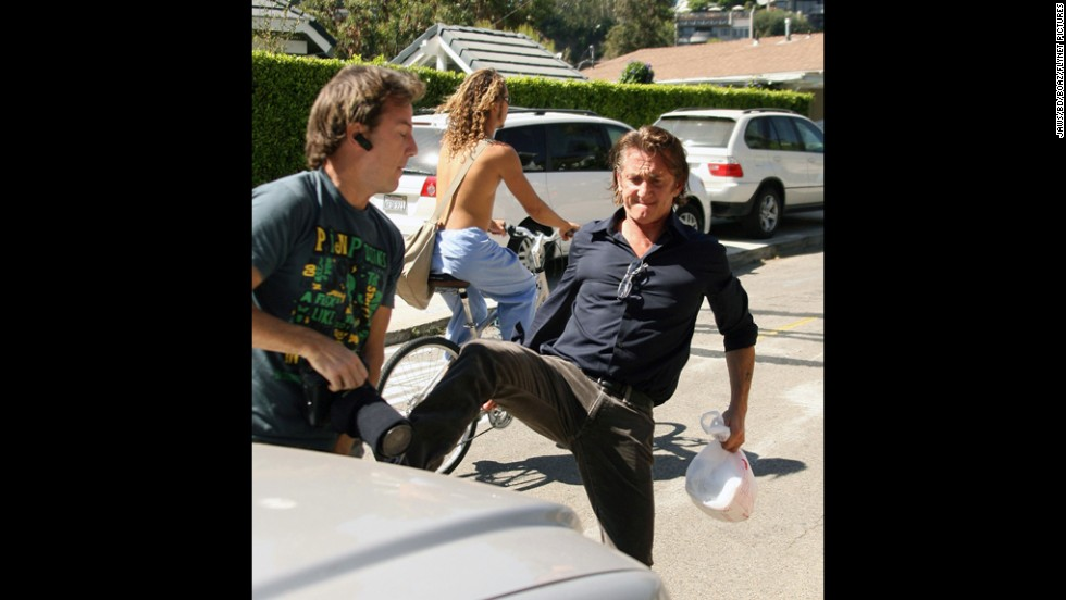 "Sean Penn lost it when a photographer was waiting near his pickup in 2010. The actor was at a Los Angeles shopping center when<a href=""http://www.tmz.com/2010/02/19/sean-penn-crime-battery-vandalism-prosecution-jail-paparazzi/"" target=""_blank""> he spotted the cameraman and began kicking at him</a>. <a href=""http://www.cnn.com/2010/SHOWBIZ/05/12/sean.penn.plea/index.html?iref=allsearch"">Penn eventually reached a plea deal over the incident</a>, but it wasn't the first time he's found himself in hot water with the paparazzi. The Oscar winner did a monthlong bid in 1987 for assaulting a paparazzo."