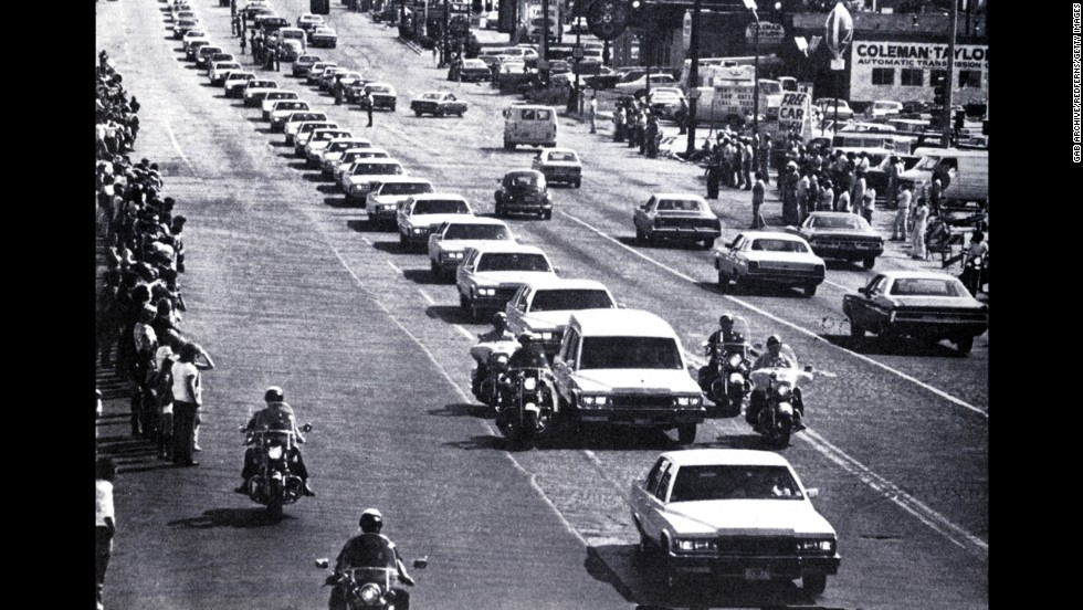 Elvis Presley's funeral cortege in Memphis, Tennessee on August 18, 1977.