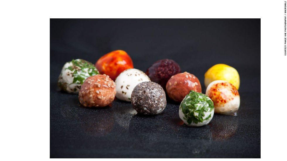 Wikicells have also been used to wrap balls of cheese. Whereas each cheese bite would normally be wrapped in foil or plastic, now they can be packaged in complementary flavors such as herb and chilli.