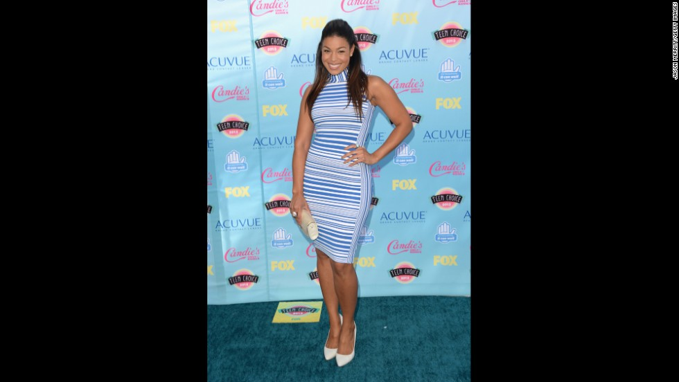 Singer Jordin Sparks shows off her formfitting dress.