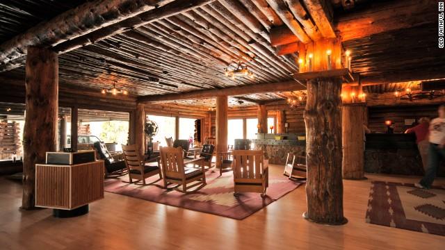 Old Faithful Inn, the largest log hotel anywhere.