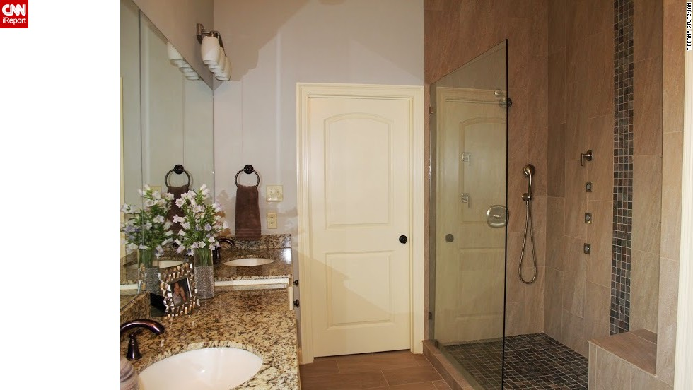 "<a href=""http://ireport.cnn.com/docs/DOC-1017631"">Tiffani Stutzman's</a> spa-like bathroom."