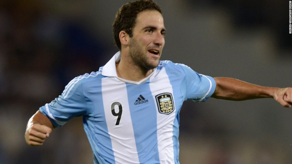Gonzalo Higuian puts Argentina in front in their friendly international against Italy. They went on to win 2-1.
