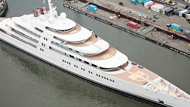 exp erin outtake billionaire sinks russian rival_00013113.jpg