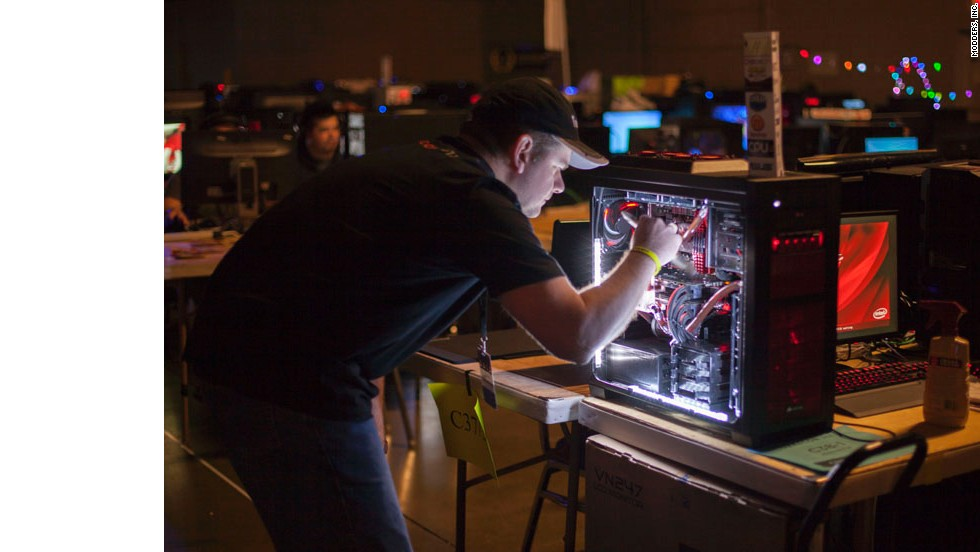When not playing, many modders continued to tweak their machines throughout the four-day event to keep them working -- and looking -- their best.